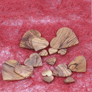 Olive Wood Hearts table decorations
